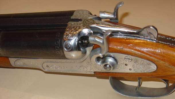 За попередньою інформацією, зловмисник стріляв картеччю із гладкоствольної рушниці