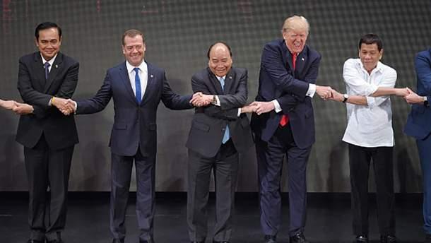 """""""Танец лебедей"""" от Дональда Трампа"""