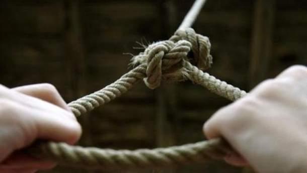 Трагедія на Прикарпатіі: у лісосмузі знайдено тіло 52-річного чоловіка