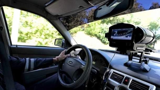 Полицейские хотят незаметно следить за водителями