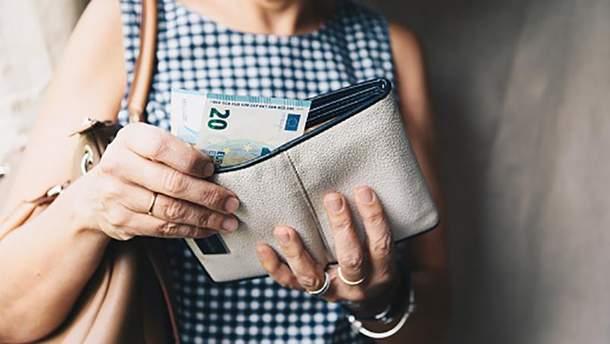 Курс валют НБУ на 16 листопада: євро продовжує перебувати по за позначкою у 31 гривню