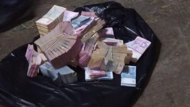 П'ять грузинів, які відібрали понад 3 мільйони гривень у подружжя, заарештували