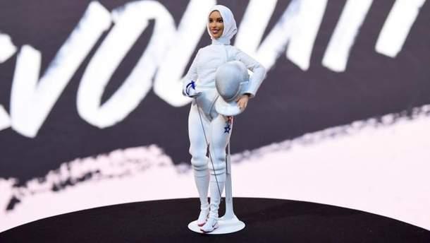 Кукла Барби в хиджабе