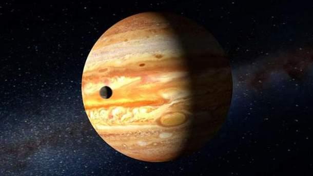 NASA показало удивительное фото шторма на Юпитере