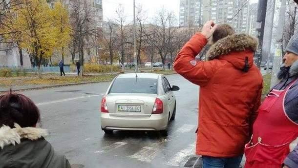 У Києві посеред вулиці викрали жінку