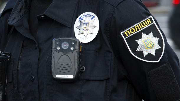 Нагрудні камери у поліцейських