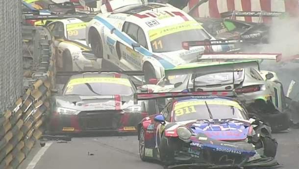 На Гран-при в Макао произошло масштабное ДТП