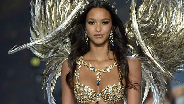 Лаїс Рібейро представила Fantasy Bra на шоу Victoria's Secret