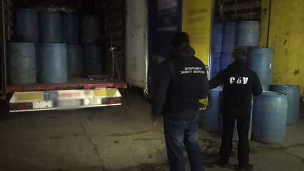 Поліція в Одесі викрила 60 тисяч літрів контрабандного спирту