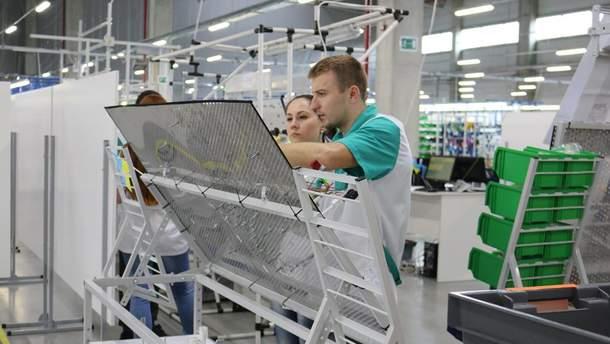Виробництво джгутів на заводі Fujikura на Львівщині