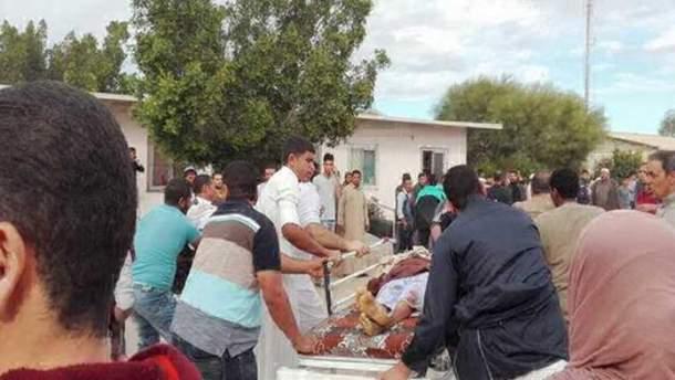 Внаслідок атаки на мечеть у Єгипті загинуло понад 200 людей