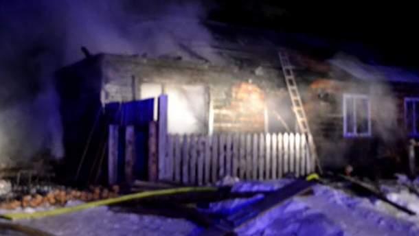 Чоловік спалив дружину і трьох малолітніх дітей у Росії