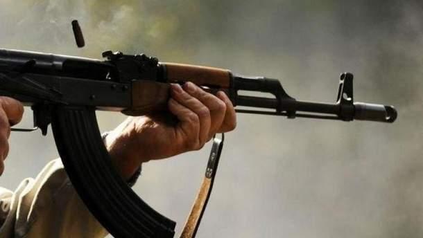 Диверсанты напали на украинского военного на Донбасе (иллюстративное фото)