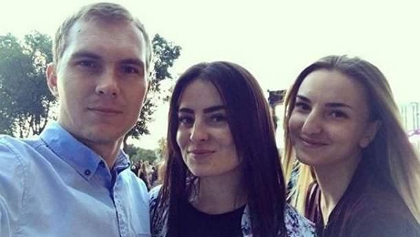 Олександр Євтєєв та Оксана і Діана Берченко