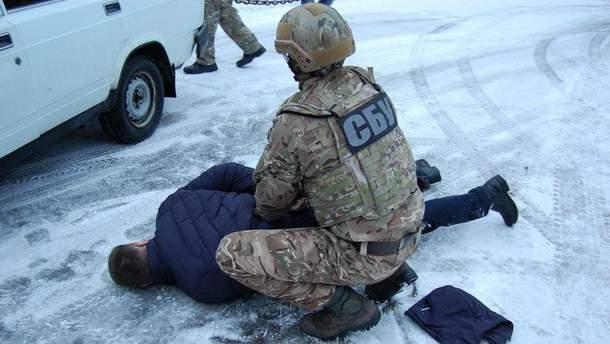 Працівники поліції у Чернігові постачали наркотики до слідчого ізолятора