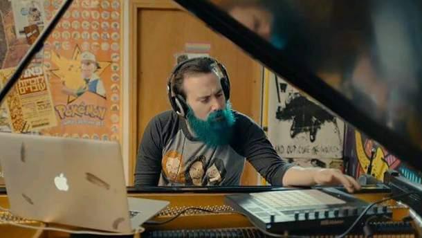 Рон Минис сыграл песню Hotel California
