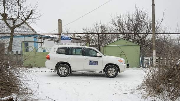 Автомобіль СММ ОБСЄ на Донбасі