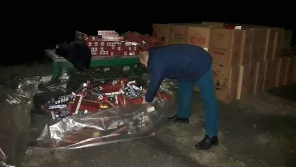 Величезну партію контрабандних цигарок затримали на Закарпатті
