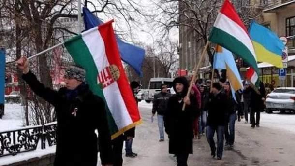 Якщо Україна розвалиться, Угорщина забере собі Закарпаття