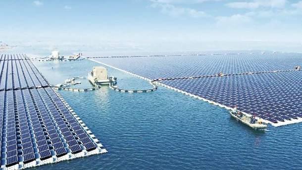 Плавуча сонячна електростанція