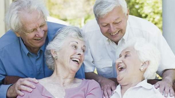Гройсман анонсировал новое повышение пенсий
