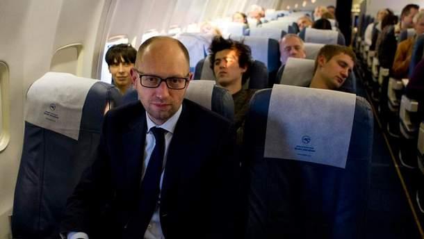 Яценюка задержали в аэропорту Женевы