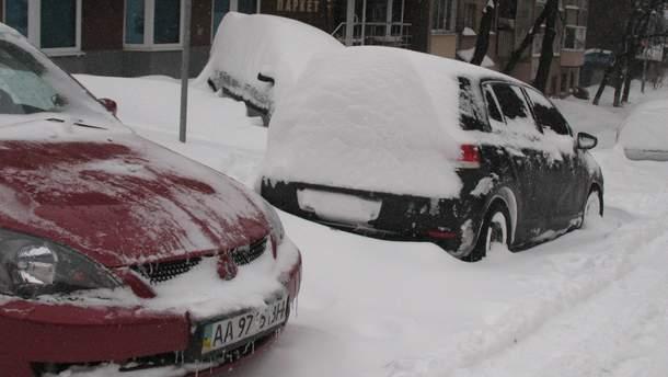Як виїхати з парковки, якщо вона в снігу