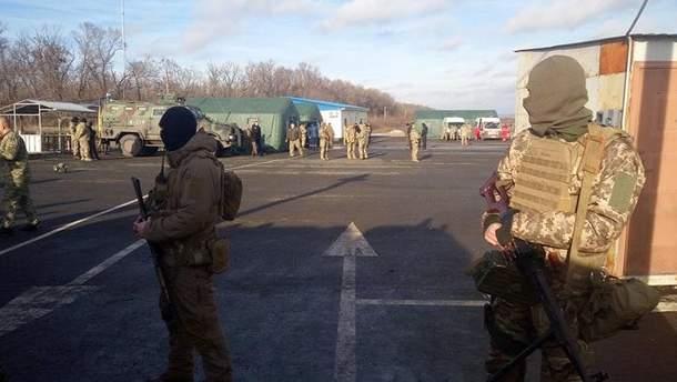 Украинская сторона приняла первых пленных