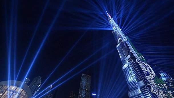 В Дубае на Новый год показали масштабное лазерное шоу