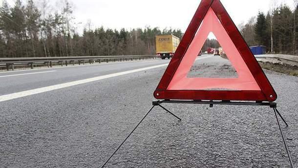 На Львовщине столкнулись микроавтобус и автопоезд