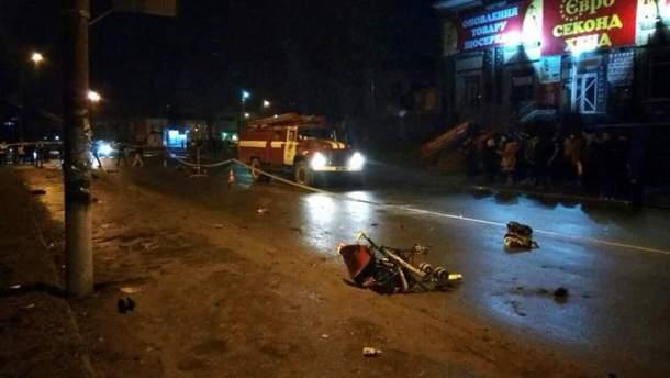 Водій збив жінку з маленькою дитиною на Хмельниччині