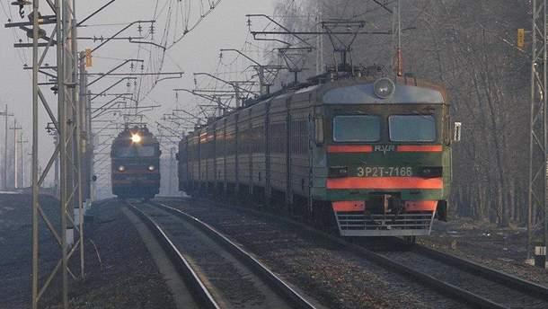 Опасный инцидент произошел на железнодорожном переезде