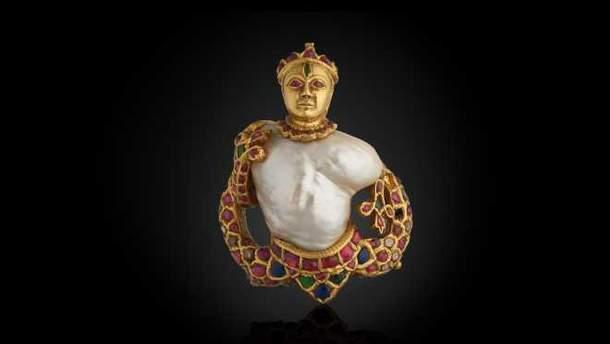 Подвеска с драгоценными камнями, которую в Венеции похитили злоумышленники