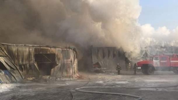 В России на фабрике произошел пожар