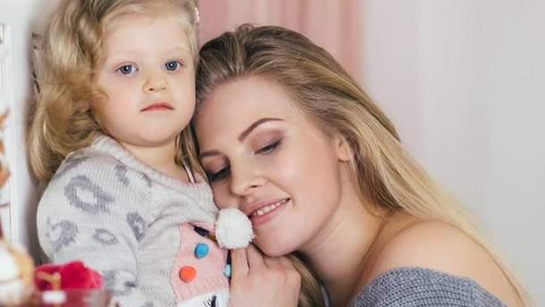 Марія Павлюк з донькою