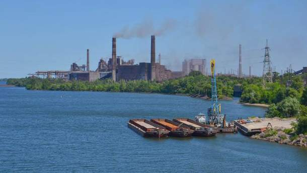 Хозяйственный суд Днепропетровской области снял арест со счетов ДМК