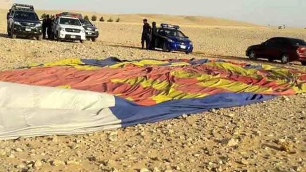 У Єгипті впала повітряна куля з туристами