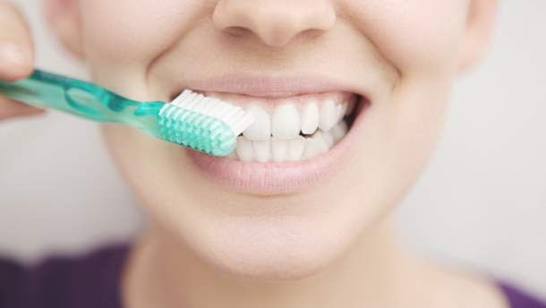 Міфи про чищення зубів