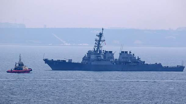 Есмінець Carney в порту Одеси