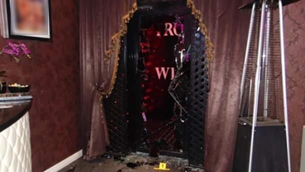 У центрі Києва озброєні чоловіки напали на нічний клуб: деталі інциденту