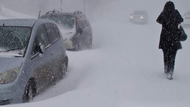 У Росії через потужний циклон застрягли десятки машин