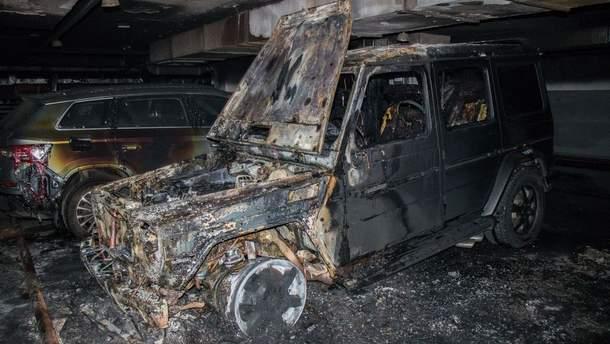Невідомі спалили авто громадського