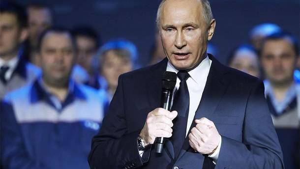 Путин критикует США за поддержку Навального