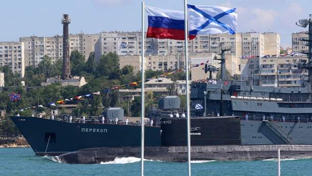 Путін запропонував повернути Україні кораблі з окупованого Криму