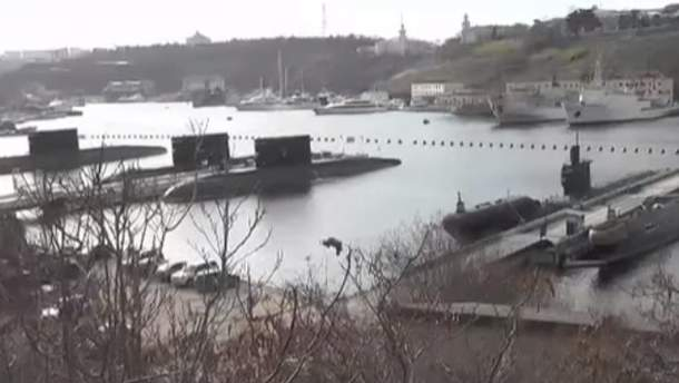 В сети показали военные корабли в Крыму