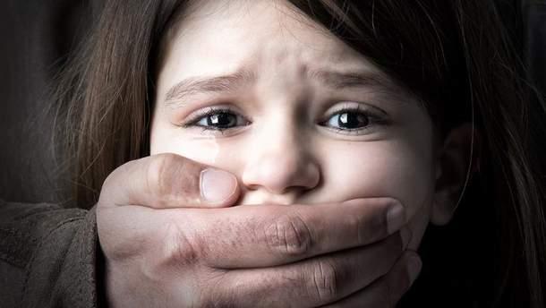 В Нацполиции планируют значительно ужесточить наказание для педофилов