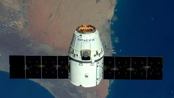 Космический корабль Dragon завершил миссию на МКС