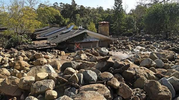 Почти два десятка человек погибли из-за мощных ливней и оползней в Калифорнии
