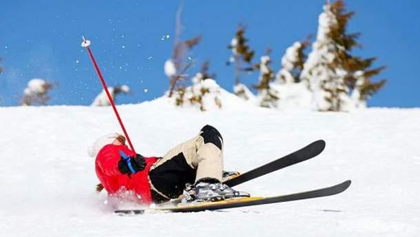 Спасатели оказали помощь лыжникам в Карпатах