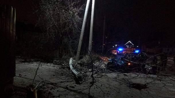 ДТП в Борисполе: пьяная женщина на BMW протаранил электроопору